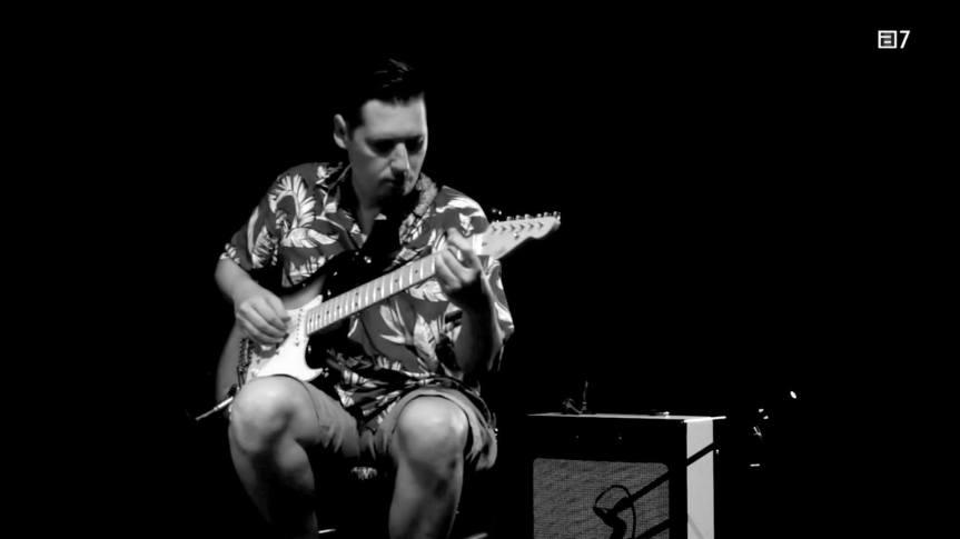 Emilio Ribera nominado a mejor guitarrista del año en los premiosAMAS